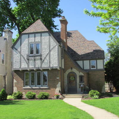 Wauwatosa Single Family Home For Sale: 8716 Jackson Park Blvd