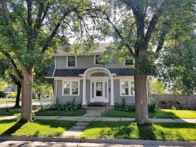 Watertown Single Family Home For Sale: 223 N Washington St