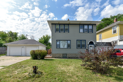 Milwaukee Single Family Home For Sale: 1407 E Manitoba St