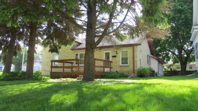 Watertown Single Family Home For Sale: 310 S Sixth St