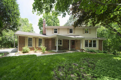 Delafield Single Family Home Active Contingent With Offer: W315s1102 Glacier Pass