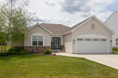 West Bend Single Family Home Active Contingent With Offer: 1537 Whitewater Dr
