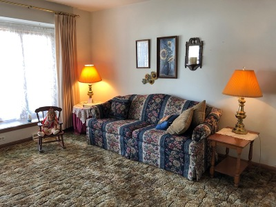 Condo/Townhouse Active Contingent With Offer: 4909 W Colonial Ct