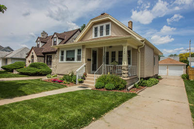 Milwaukee Single Family Home Active Contingent With Offer: 420 E Norwich St