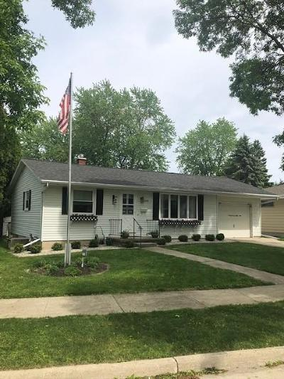 Sheboygan Single Family Home Active Contingent With Offer: 2769 N 31st Pl