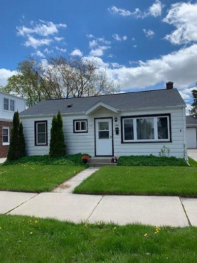 Sheboygan Single Family Home Active Contingent With Offer: 1909 Martin Ave