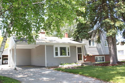 Brown Deer WI Single Family Home Active Contingent With Offer: $169,900