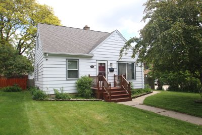 Wauwatosa Single Family Home For Sale: 2722 N 73rd St