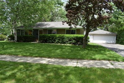 Waukesha Single Family Home Active Contingent With Offer: 328 Baird St