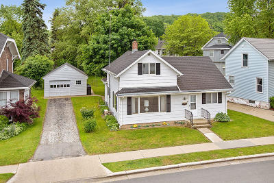 Plymouth Single Family Home Active Contingent With Offer: 315 Western Ave