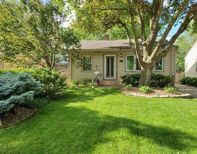 Wauwatosa Single Family Home Active Contingent With Offer: 11028 W Mt. Vernon Ave