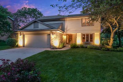 New Berlin Single Family Home Active Contingent With Offer: 12680 W Weatherstone Blvd