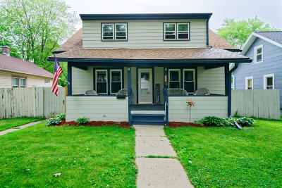 Waukesha Single Family Home Active Contingent With Offer: 839 Perkins Ave