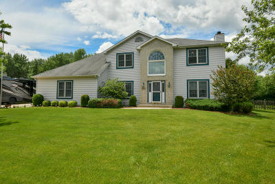 Pleasant Prairie WI Single Family Home For Sale: $409,900