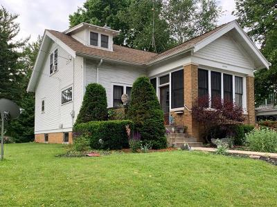 Watertown Single Family Home For Sale: 1013 N 4th St