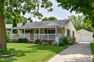Wauwatosa Single Family Home Active Contingent With Offer: 4292 Raymir Cir