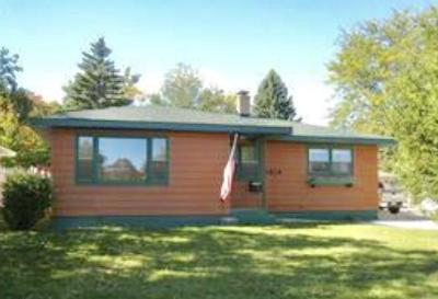 Kenosha Single Family Home Active Contingent With Offer: 5818 47th Ave