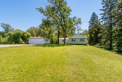 Genoa City Single Family Home For Sale: W969 Violet Rd