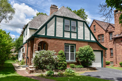 Wauwatosa Single Family Home For Sale: 421 N 89th St