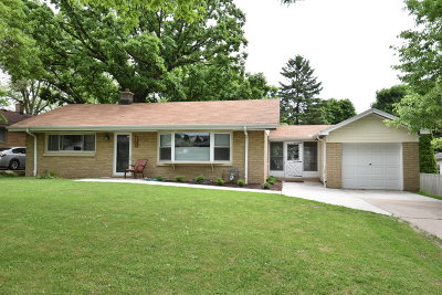 Wauwatosa Single Family Home Active Contingent With Offer: 3294 N 107th St