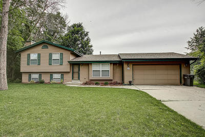 Muskego Single Family Home Active Contingent With Offer: W194s8476 Providence Way