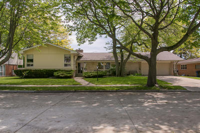 Racine Single Family Home For Sale: 2901 Chatham St