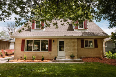 Wauwatosa Single Family Home For Sale: 2130 N 114th St