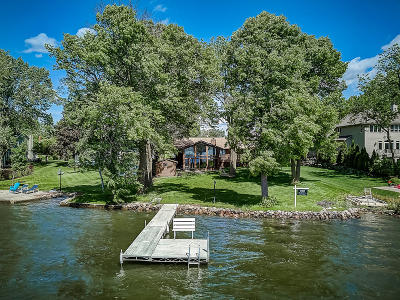 Muskego Single Family Home For Sale: W198s11055 Racine Ave
