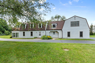 Lake Geneva Single Family Home Active Contingent With Offer: W1257 Luscombe Blvd