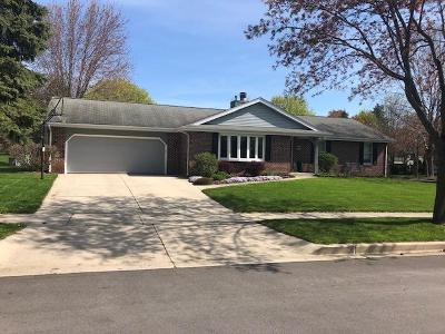 Cedarburg Single Family Home Active Contingent With Offer: N106w7470 Chatham St