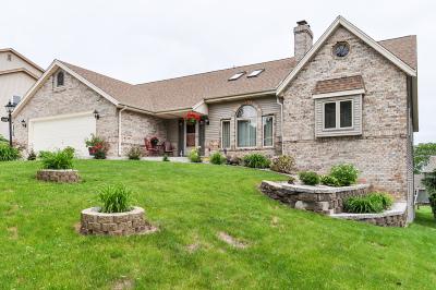 Waukesha Single Family Home For Sale: 2928 Minot Ln