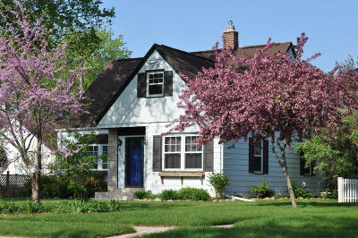 Port Washington Single Family Home Active Contingent With Offer: 811 N Benjamin St