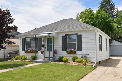 West Bend WI Single Family Home For Sale: $149,900