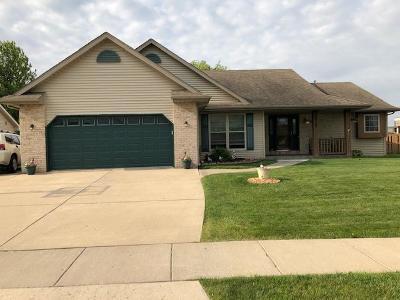 Kenosha Single Family Home For Sale: 6925 55th St
