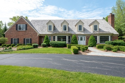 Mequon Single Family Home For Sale: 115 E Miller Dr