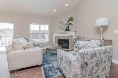 Waukesha Condo/Townhouse For Sale: 728 Timber Ridge Dr