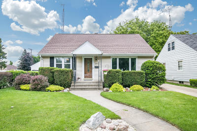 Kenosha Single Family Home Active Contingent With Offer: 6913 40th Ave