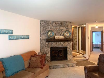 Williams Bay Condo/Townhouse For Sale: 18 Wildwood Ct #C