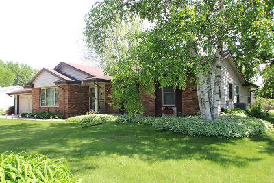 Germantown Single Family Home Active Contingent With Offer: N104w17037 Thorn Apple Row