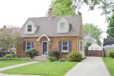 Kenosha Single Family Home Active Contingent With Offer: 2552 Lincoln Rd