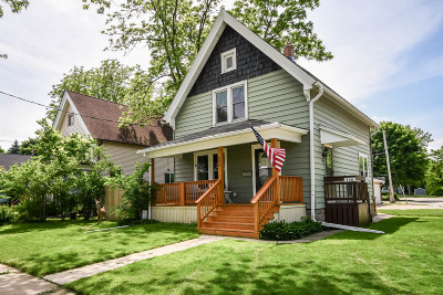 Waukesha Two Family Home For Sale: 434 Oakland Ave #436