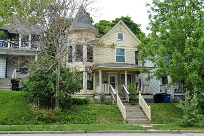 Racine Single Family Home For Sale: 2004 Kinzie Av