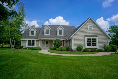 Nashotah Single Family Home Active Contingent With Offer: N38w32930 Lake Country Dr