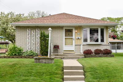 Milwaukee Single Family Home For Sale: 6815 S 19th St