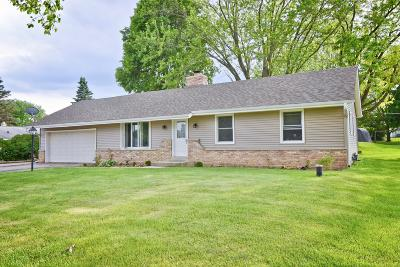 Town Richfield, Village Richfield, Hubertus, Colgate Single Family Home Active Contingent With Offer: 1497 Valley View Dr