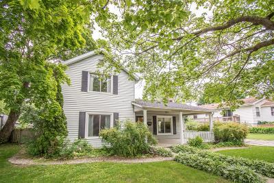 Lake Geneva Single Family Home For Sale: 1215 Center St