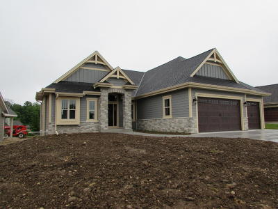 West Bend Single Family Home For Sale: 1508 Schloemer Dr