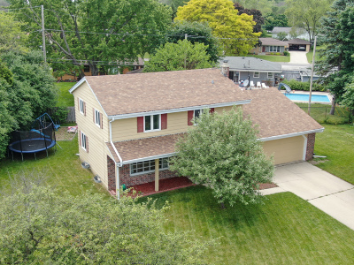 Menomonee Falls Single Family Home For Sale: W173n8941 Roosevelt Dr