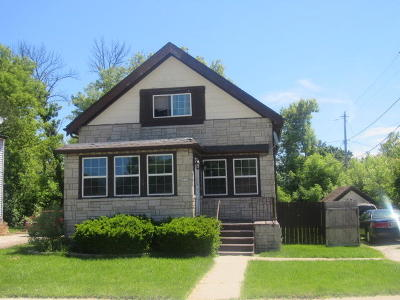 Milwaukee Single Family Home For Sale: 4822 N 20th St