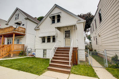 Milwaukee Single Family Home For Sale: 2642 S 13th St